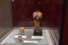 Mueum archeologiczne, figurki wiek ok. 5 tys lat