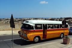 autobus komunikacji Malta skiej
